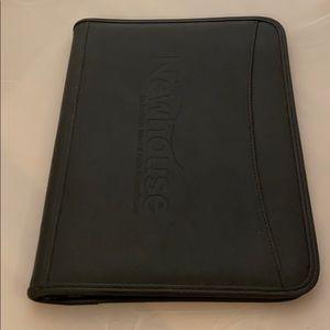 Syracuse University S.I. Newhouse Leather Padfolio